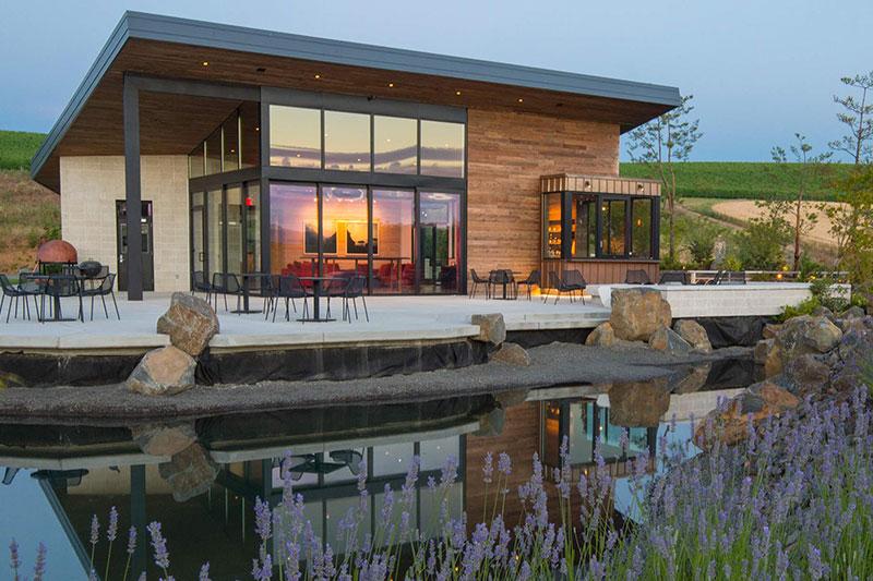 Best Oregon Winery Wedding Venues Saffron Fields